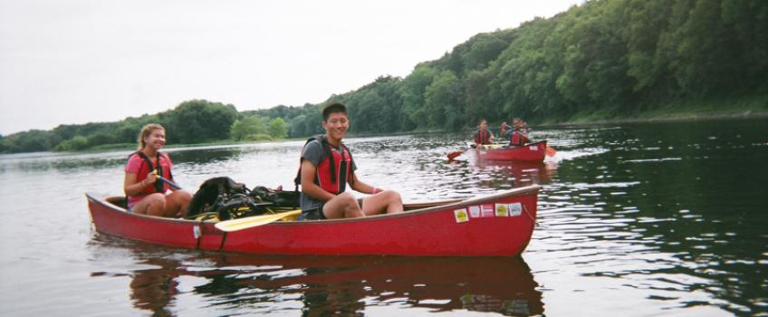 Frosh Trip Canoeing